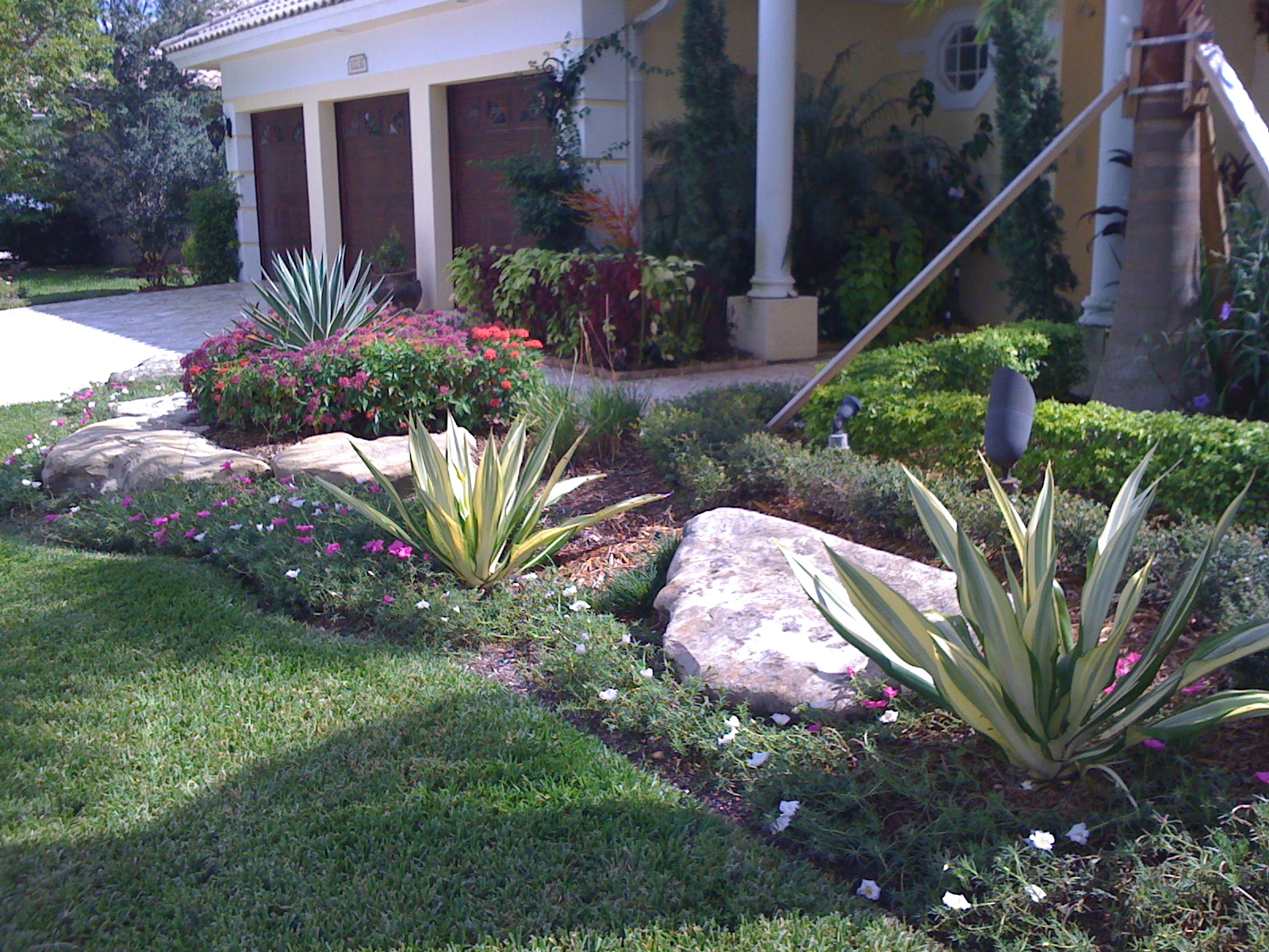 Landscaping Boca Raton, Lawn Service, Delray Beach | Total Maintenance Inc.